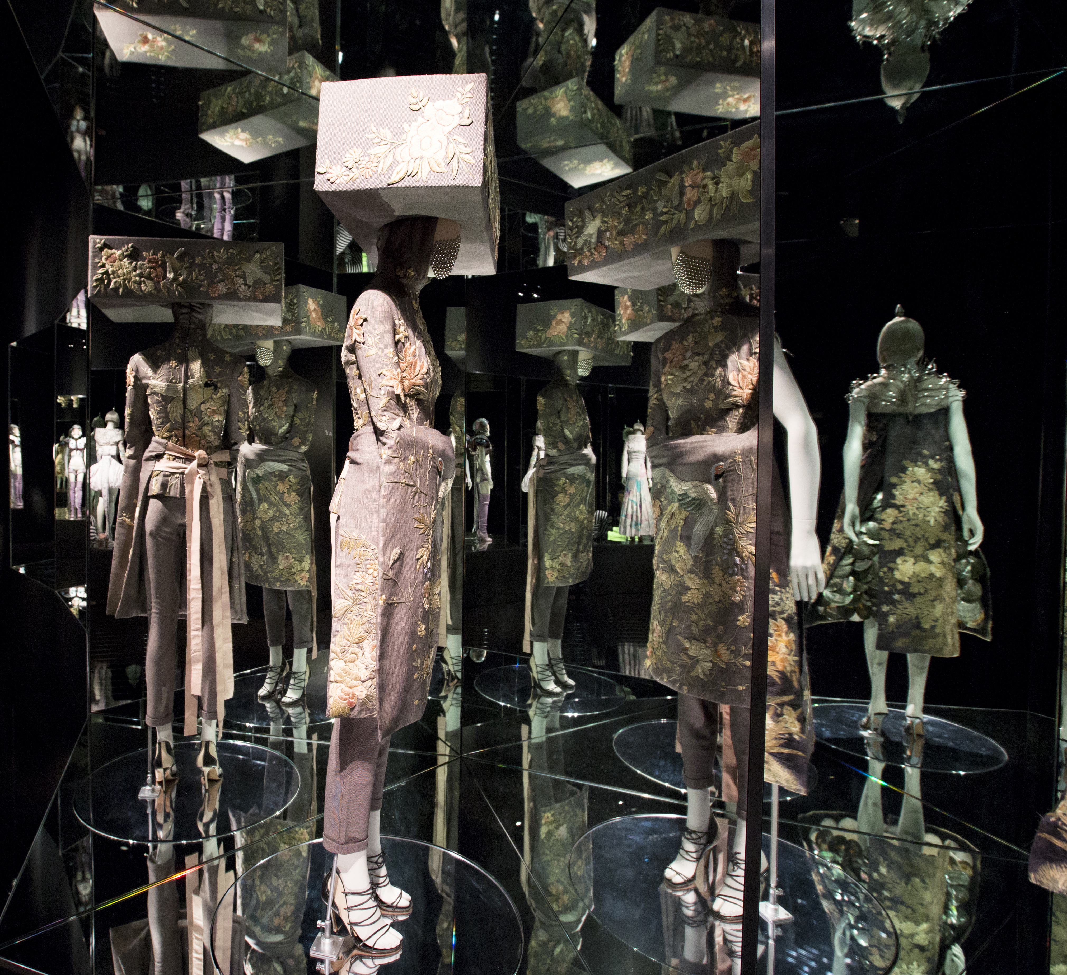 7._Installation_view_of_Romantic_Exoticism_gallery_Alexander_McQueen_Savage_Beauty_at_the_VA_c_Victoria_and_Albert_Museum_London