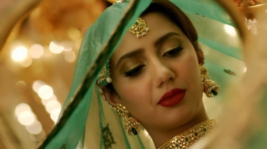 mahira-khan-raees-make-up-2